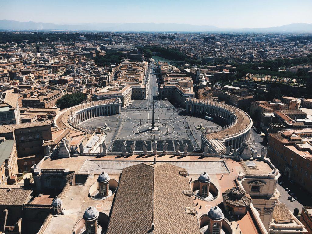 Cosa Vedere a Roma Piazza San Pietro alto