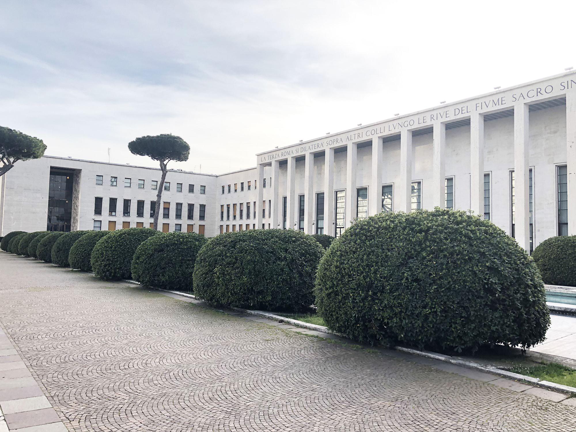Palazzo degli Uffici e Salone delle Fontane