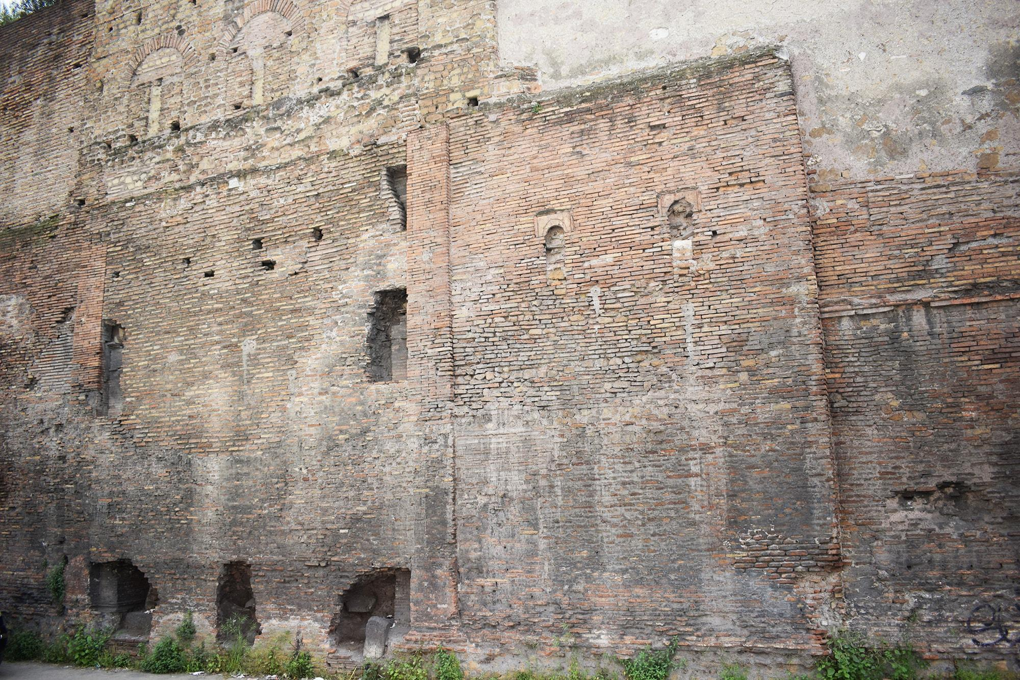 Castra Praetoria muro