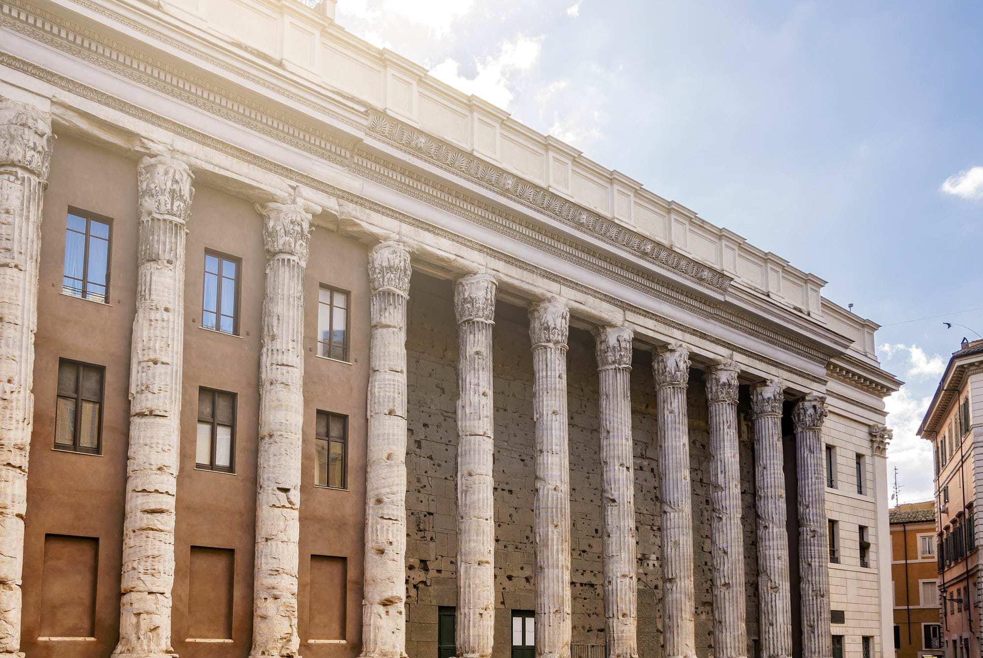 Tempio di Adriano Roma Piazza di Pietra