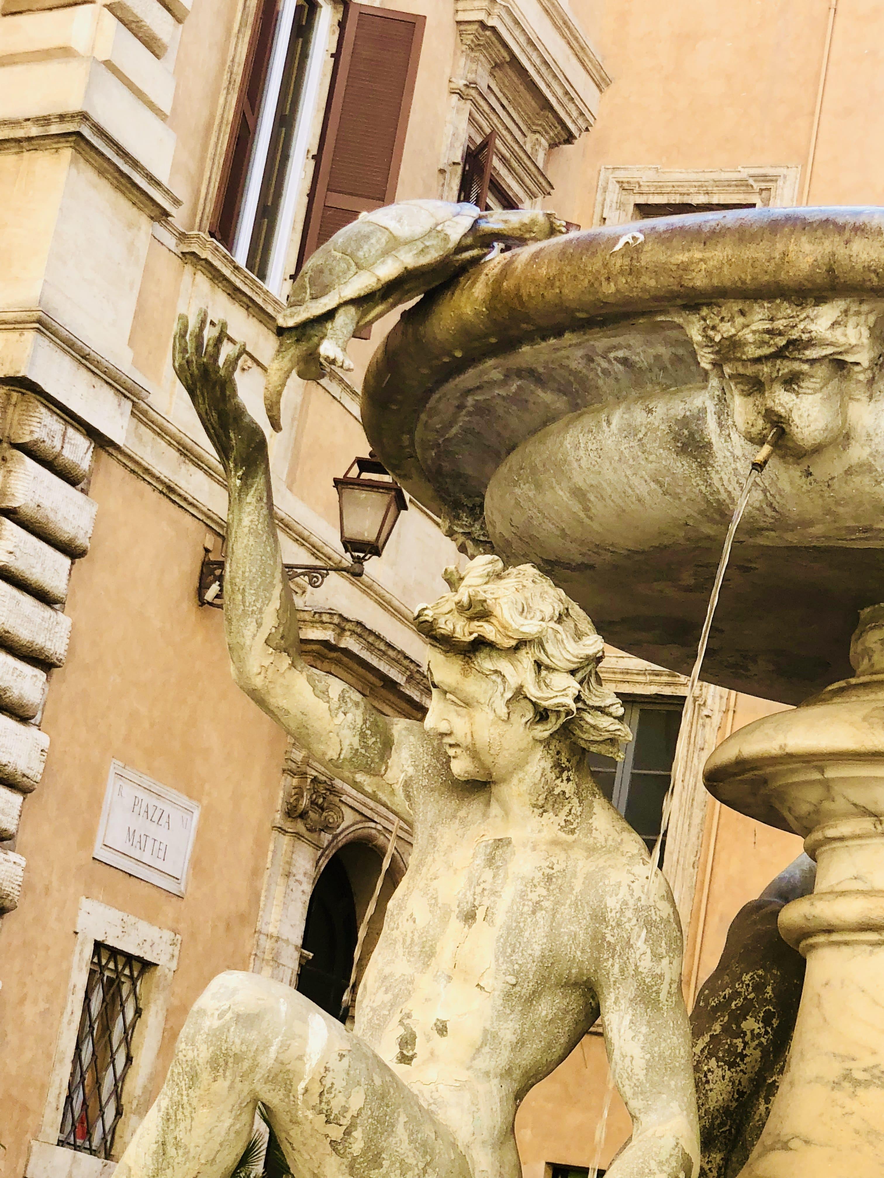 Fontana delle Tartarughe dettaglio Roma Gratis