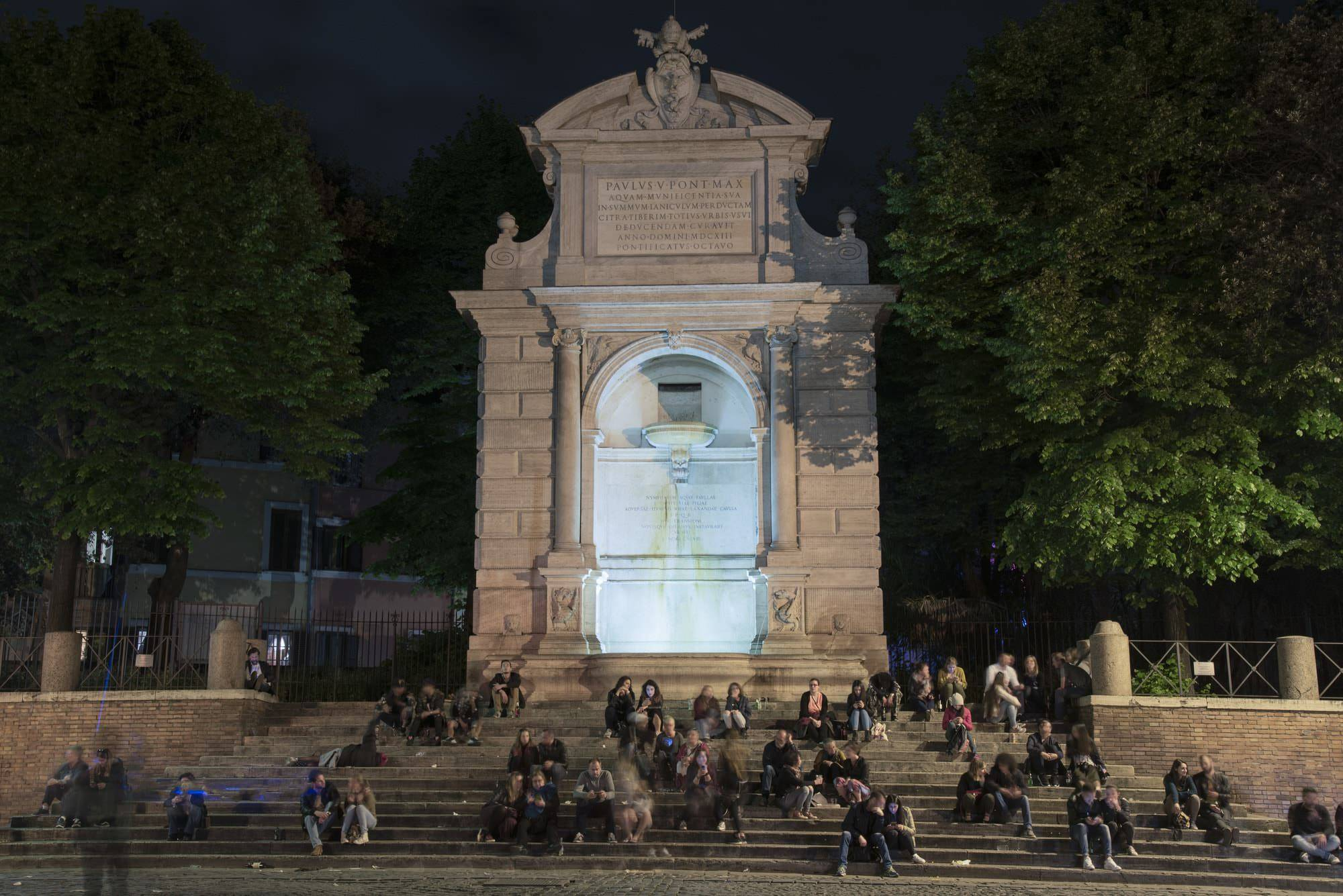 Piazza Trilussa Trastevere Cosa fare a Roma la sera